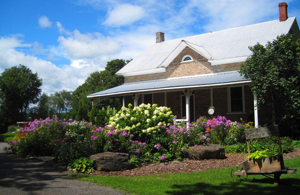 stanleys-farm-small-wedding-venue