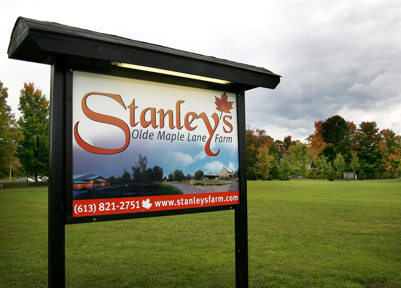 sign for Stanley's Olde Maple Lane Farm
